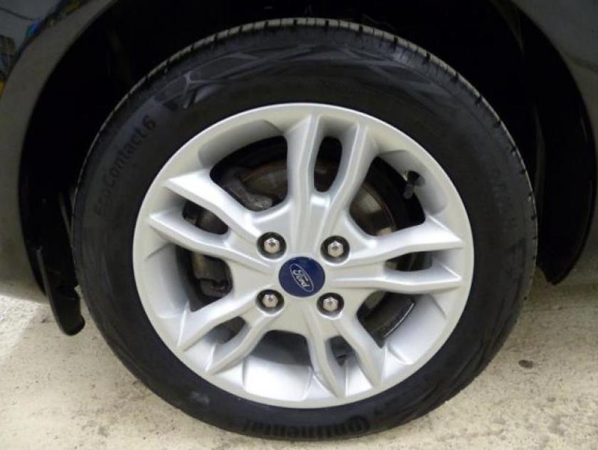Ford Fiesta 1.25 82 Edition 5p - Visuel #2