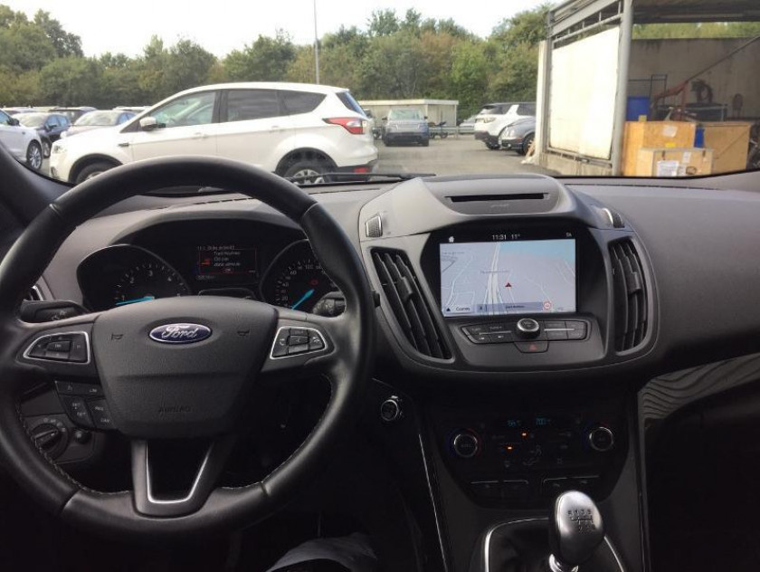Ford Kuga 2.0 Tdci 150ch Stop&start St-line 4x2 - Visuel #5
