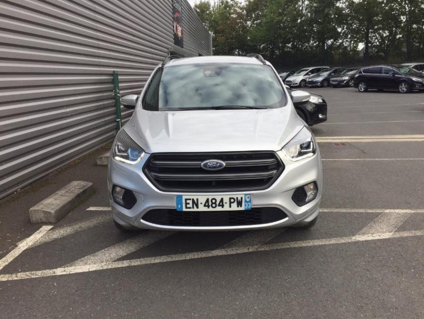Ford Kuga 2.0 Tdci 150ch Stop&start St-line 4x2 - Visuel #4