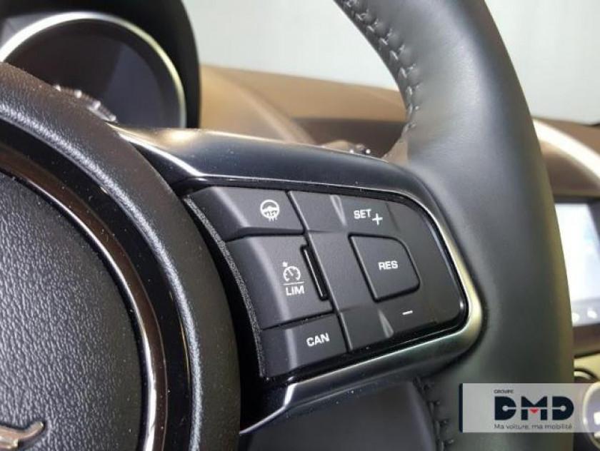 Jaguar F-type Coupe 2.0 T 300ch R-dynamic Bva8 - Visuel #16