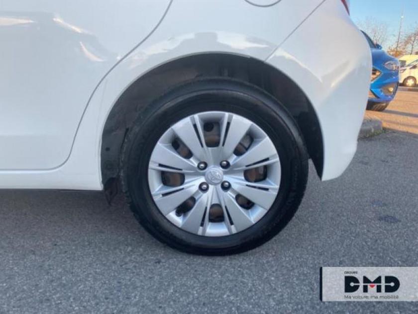 Toyota Yaris 90 D-4d Dynamic 5p - Visuel #13