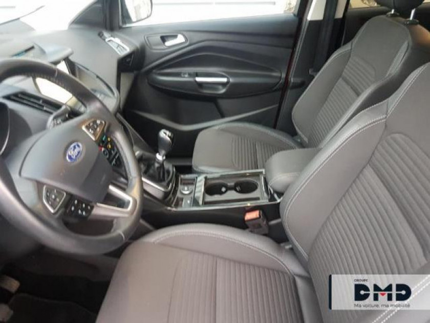 Ford Kuga 1.5 Ecoboost 150ch Stop&start Titanium 4x2 - Visuel #9