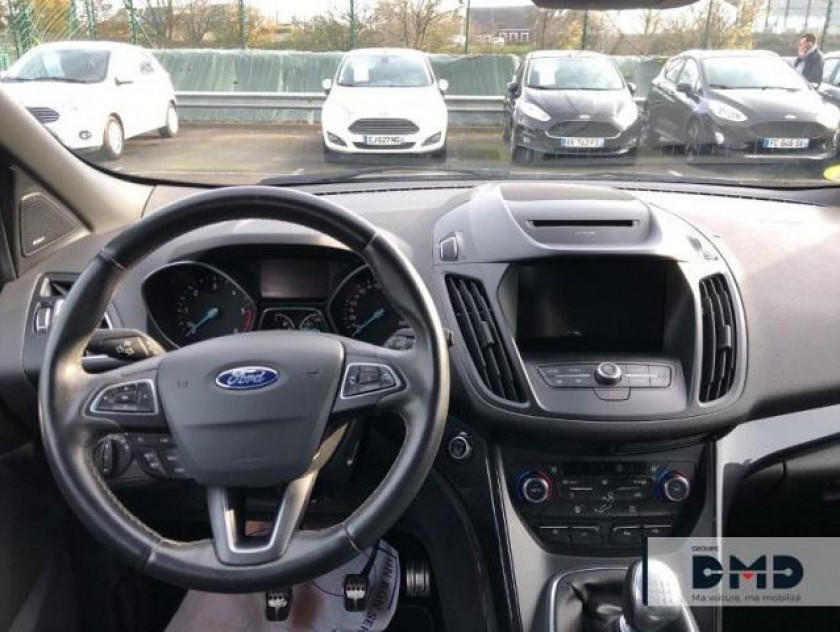 Ford Kuga 2.0 Tdci 180ch Stop&start St-line 4x4 - Visuel #5