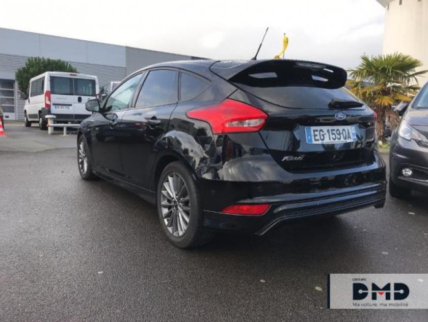 Ford Focus 1.5 Tdci 120ch Stop&start St Line - Visuel #3