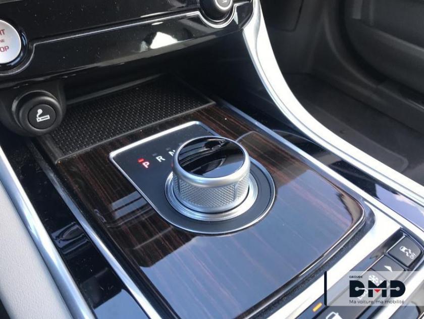 Jaguar Xe 2.0d 180ch Portfolio Bva8 - Visuel #7