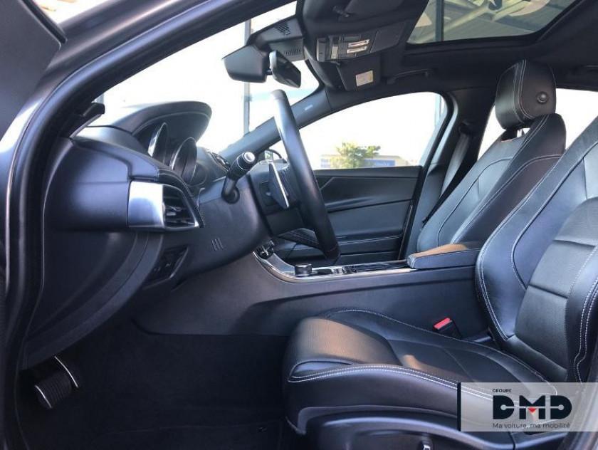 Jaguar Xe 2.0t 200ch R-sport Bva8 - Visuel #9