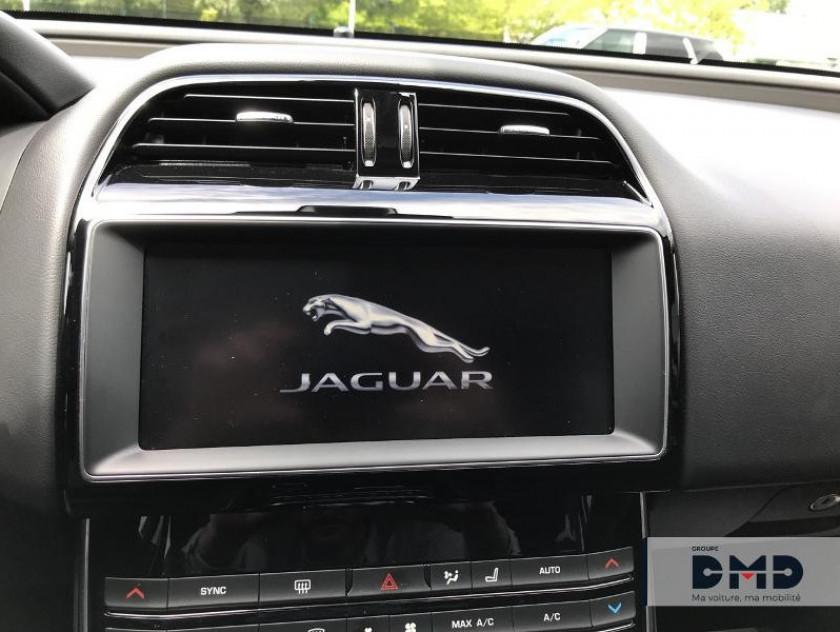 Jaguar Xe 2.0d 180ch Prestige Bva8 - Visuel #6