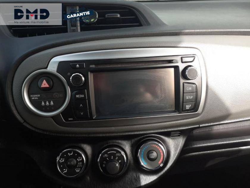 Toyota Yaris 90 D-4d Business 5p - Visuel #6