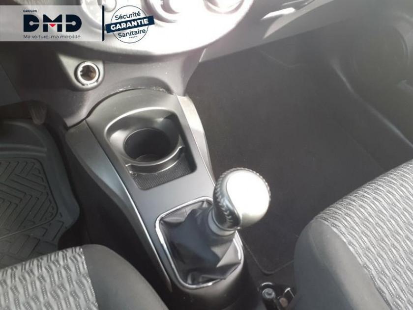 Toyota Yaris 90 D-4d Business 5p - Visuel #8