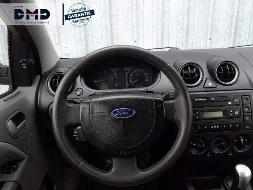 Ford Fiesta 1.4 Tdci 68ch Ghia 5p - Visuel #7