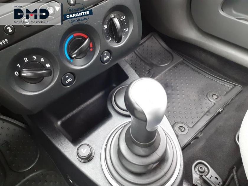 Ford Fiesta 1.4 Tdci 68ch Ghia 5p - Visuel #8