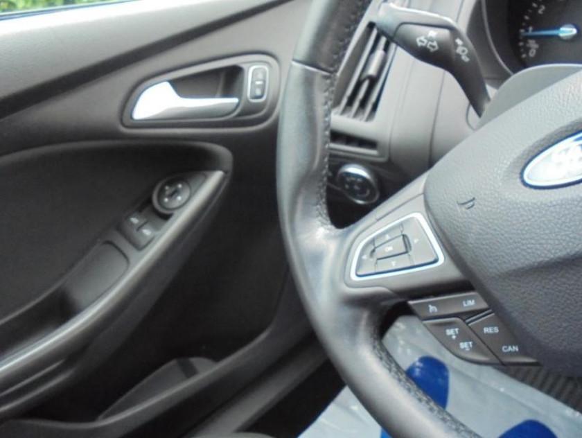 Ford Focus 1.0 Ecoboost 100ch Stop&start Trend - Visuel #8