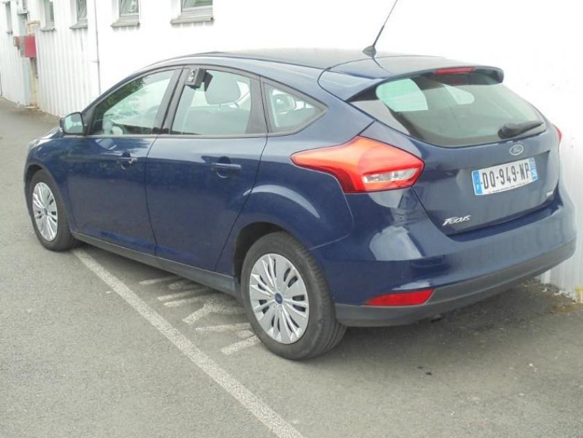 Ford Focus 1.0 Ecoboost 100ch Stop&start Trend - Visuel #2