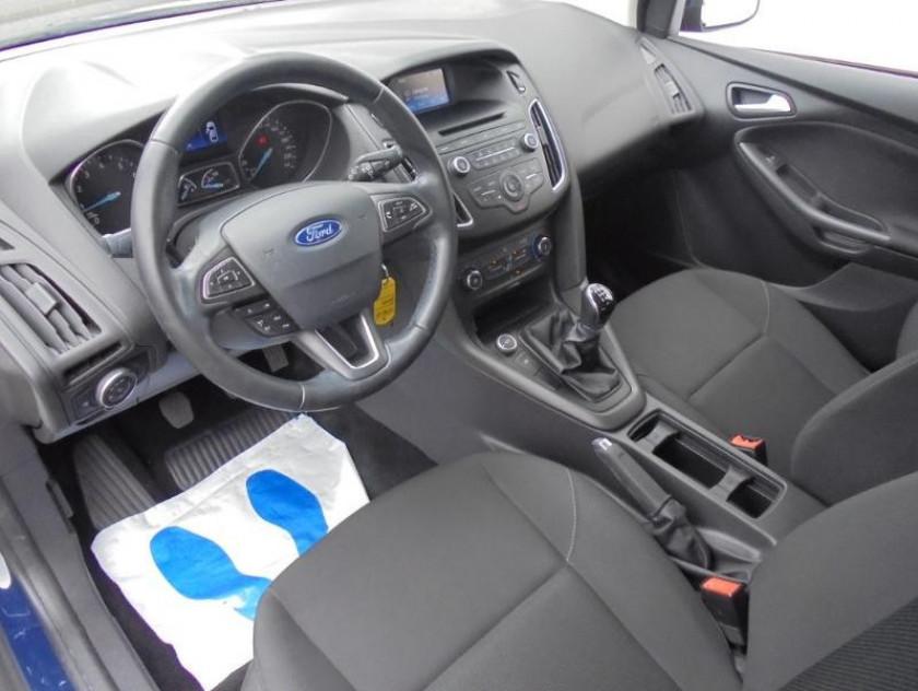 Ford Focus 1.0 Ecoboost 100ch Stop&start Trend - Visuel #3