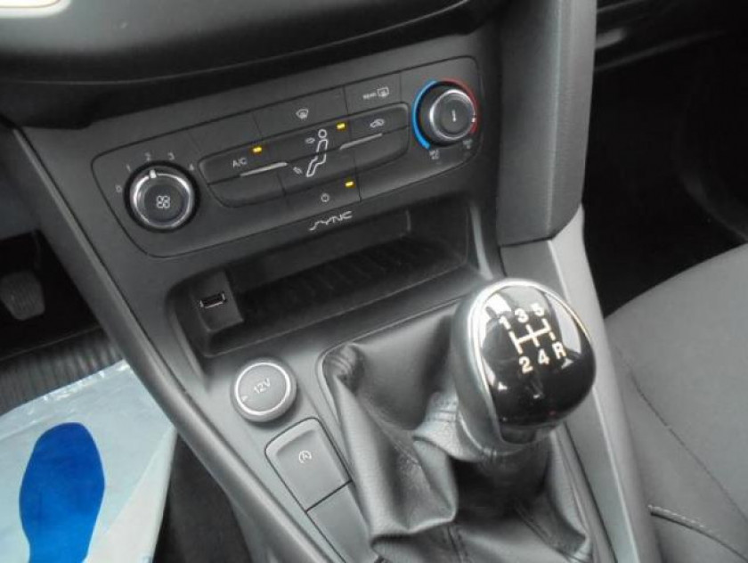 Ford Focus 1.0 Ecoboost 100ch Stop&start Trend - Visuel #19
