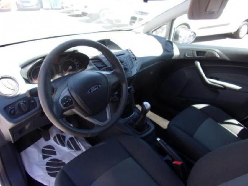Ford Fiesta 1.25 60ch Ambiente 5p - Visuel #8