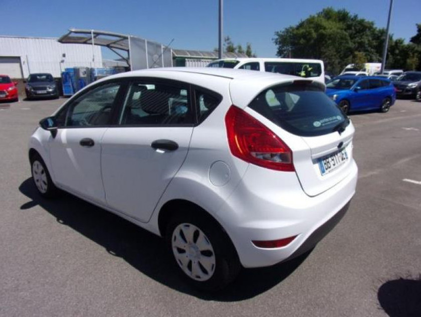 Ford Fiesta 1.25 60ch Ambiente 5p - Visuel #6
