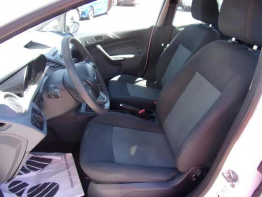 Ford Fiesta 1.25 60ch Ambiente 5p - Visuel #9